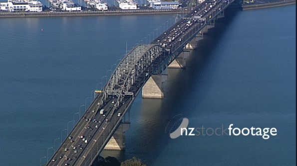 Auckland Harbour bridge directly above 3463