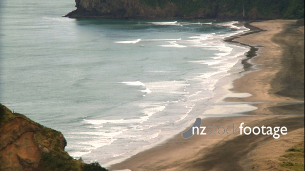 Piha Beach Waves 1 1167