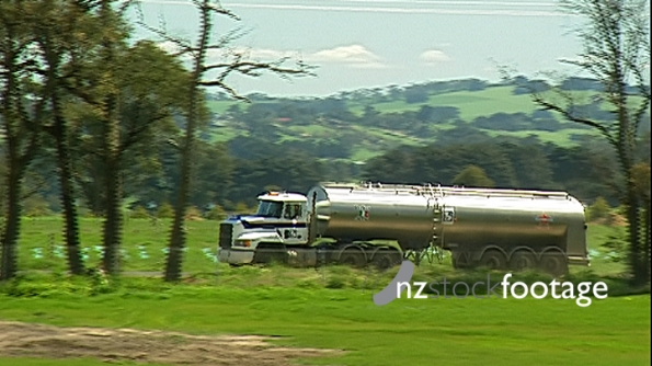 Milk Tanker Truck 1990s New Zealand 3950