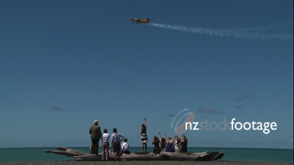 People Watching Stunt Plane 2 2848