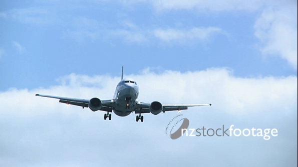 Aircraft 737 Landing Wellington Airport 2 727