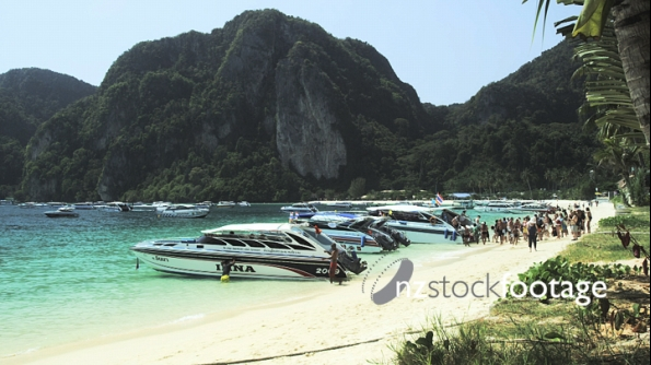 Boats and Tourists at Ton Sai Bay of Phi Phi Don 3348