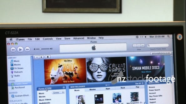 iTunes on screen 1 1076
