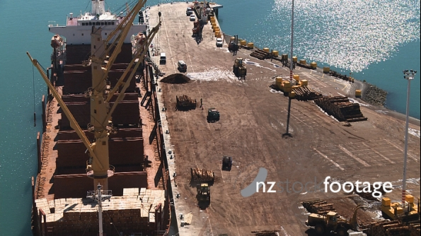 Container Ship Loading Timber, Napier TIMELAPSE 3028