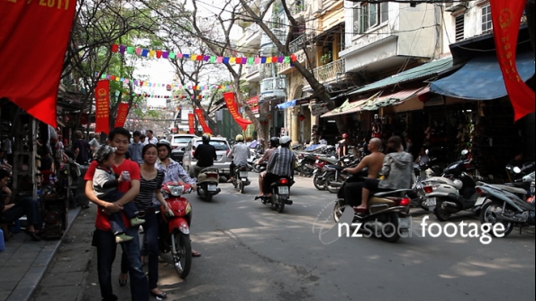 Hanoi Scooter Traffic Vietnam 2 2722