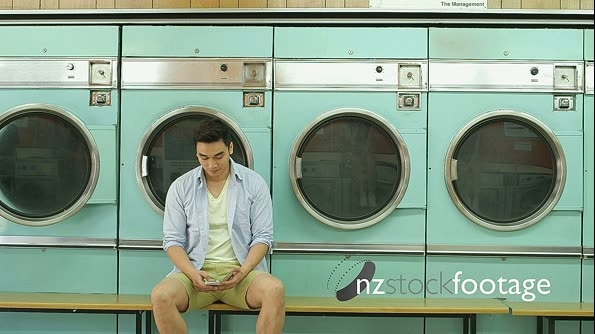 MLS A Young Man and a Young Woman meet in a Launderette 15248