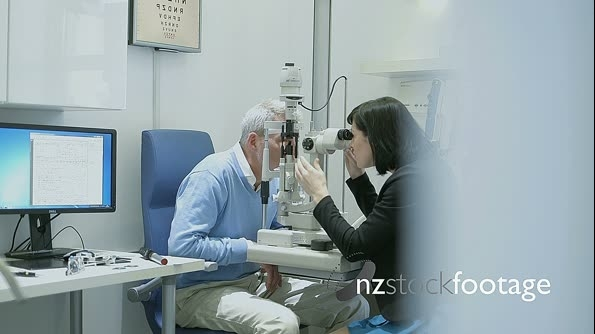 MS Male patient is examined by the Female Optician 16455