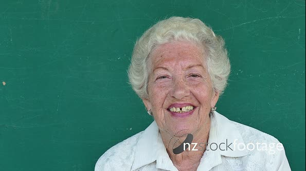 15 Hispanic People Portrait Happy Old Woman Smiling At Camera 17280