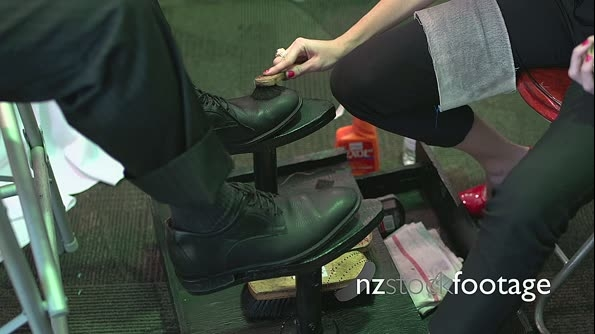 Time lapse of shoe shiner 21286