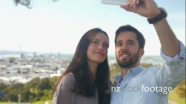 Young Couple Auckland Selfie 1 26790