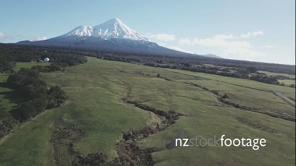 Taranaki Landscape and Paddocks 28150