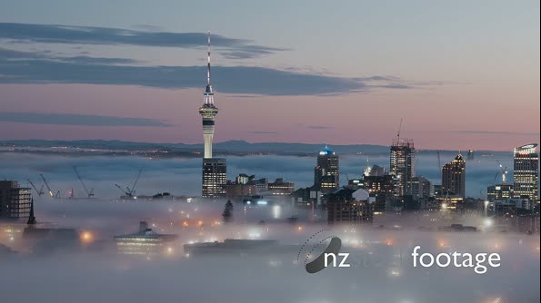 Early morning Auckland fog 29035