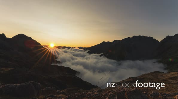 Nelson Lakes Inversion Cloud 4k 29052