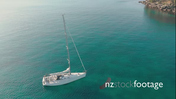 Sail Boat Anchored in Bay 120220-Slipper-Is-50 29518