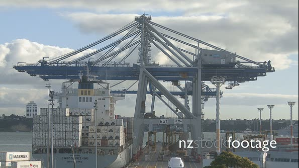 Container Ship Loading Auckland 3859