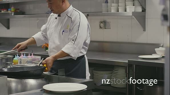 Professional Chinese Chef Working In Asian Restaurant Kitchen 5169